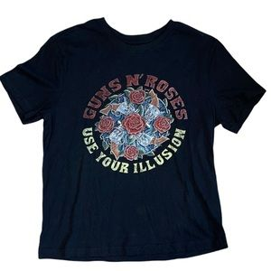Guns N' Roses Women's Graphic T-Shirt Size Medium